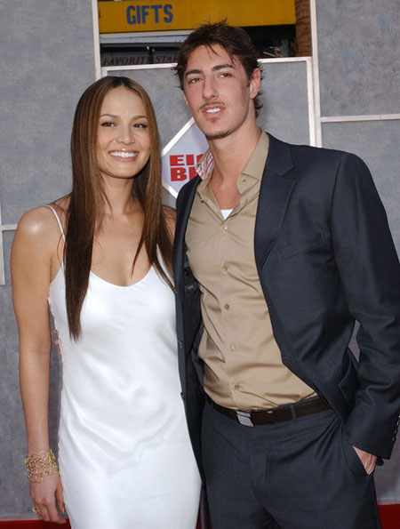 Moon Bloodgood is living a happy married life with husband ...
