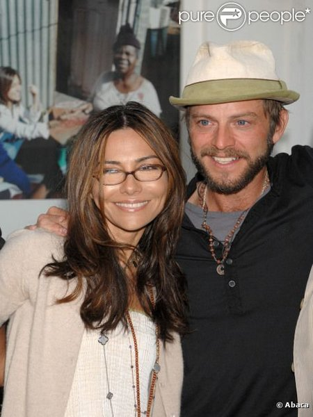 After two divorces, Vanessa Marcil is dating her mystery ...