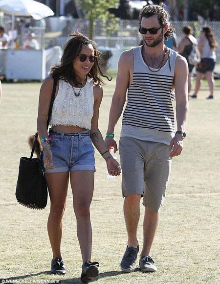 Penn Badgley and Domino Kirke got married: Happy couple as ... Zoe Kravitz Boyfriend 2014