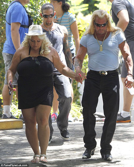 Dog 39 s the bounty hunter beth chapman lives with husband for Dog the bounty hunter divorce beth