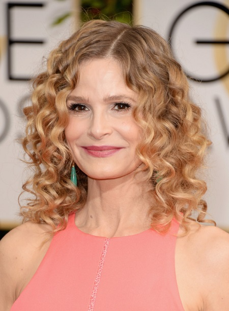 Kyra Sedgwick with gorgeous look
