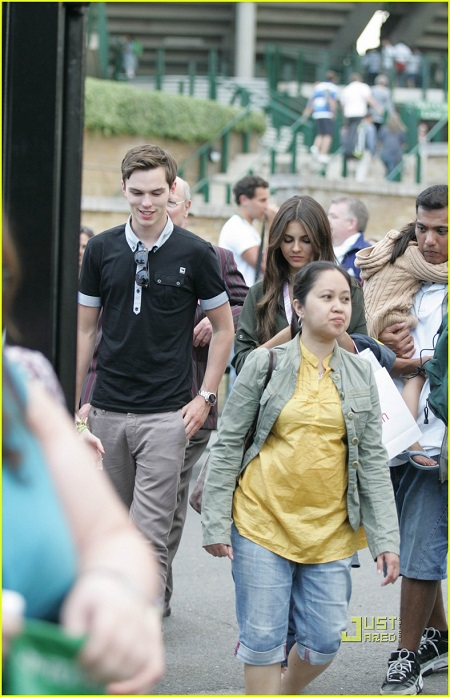 Nicholas Hoult and Victoria Justice