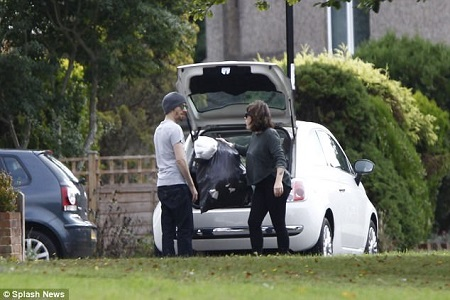 Isabella Cruise and her husband Max Parker spotted moving to Croydon, 