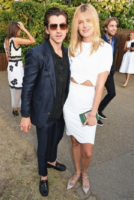 Alex turner et arielle vandenberg dating. a good about me for dating site.