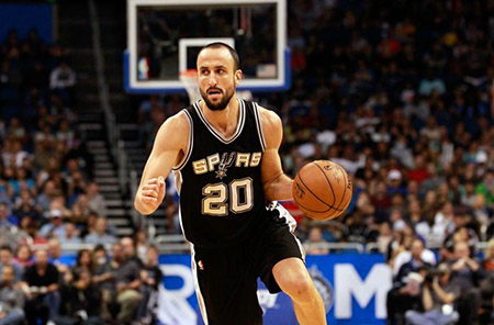 Manu focused to get the ball to basket