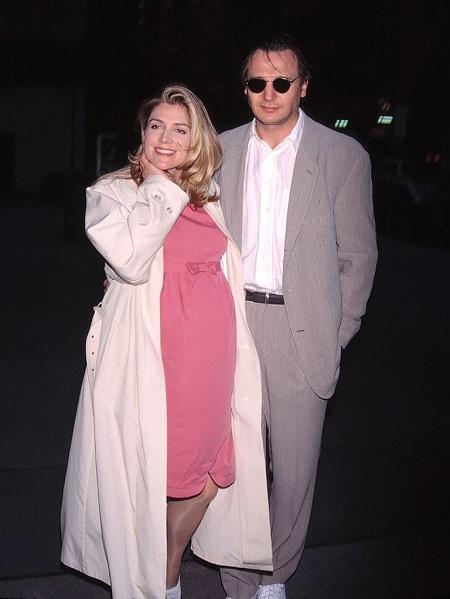 Liam Neeson dating Laura brent hva jeg skal si til gutta online dating