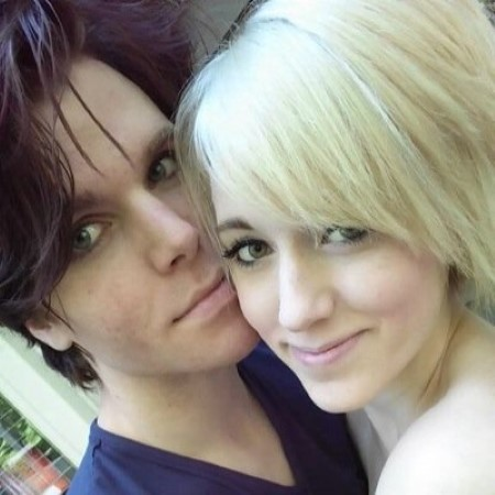 how old was onision when he started dating lainey