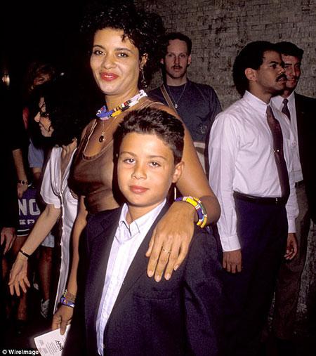 Raphael De Niro Married, Wife, Children, Divorce, Net ...