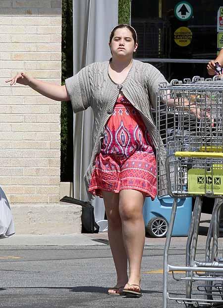 Is John Travolta's Daughter, Ella Bleu Dating someone? Find