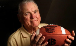 ABC's Voice Of College FootBall, Keith Jackson Dies! He Was 89