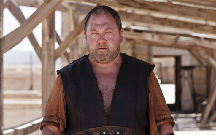 Actor Mark Addy is living the blissful married life with wife Kelly Johnson. The couple has three children together