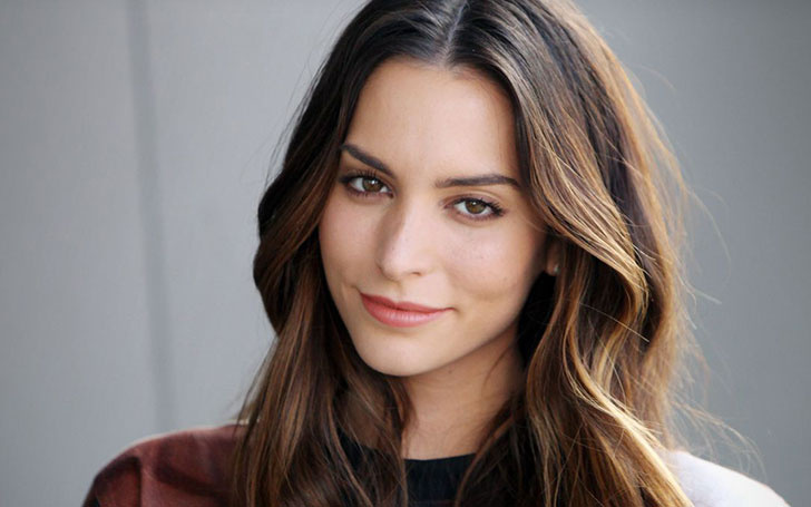 genesis rodriguez dating history Genesis rodriguez (born july 29, 1987) is an american actress  the next day  at school, the girls' history teacher informs the class that the nazi party once had   [5] santos is best known for his breakout role in the feature film the girlfriend .