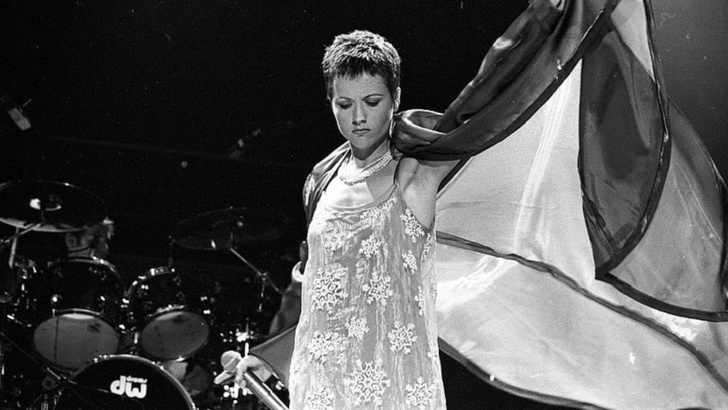 Cranberries Lead Singer Dolores O'Riordan Died At The Age of 46! See More Details