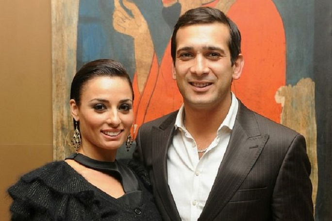 English Actor Jimi Mistry living blissful married life with wife Flavia Cacae. Know about their family life and children