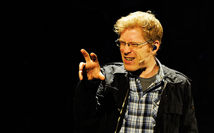 Is Anthony Rapp Dating someone? The Actor is Rumored to be a Gay, find out who is his Boyfriend?
