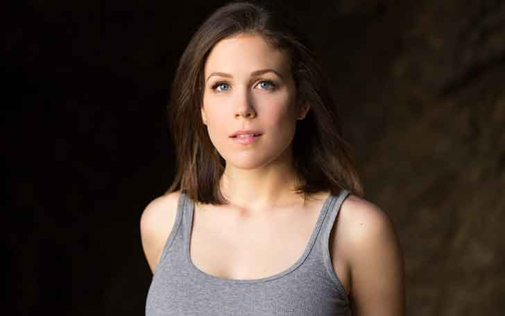Is Erin Krakow Still Not Married Or She is Secretly Hooked Up With Someone Special?