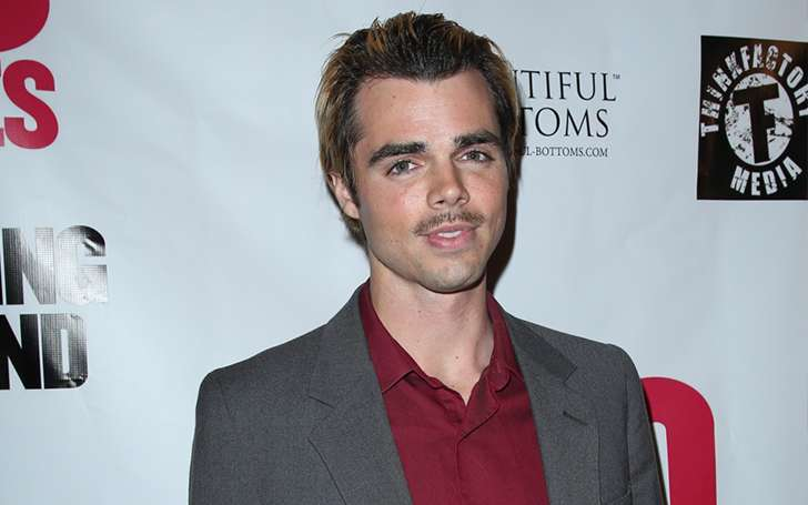 Know the current relationship status of Modern Family actor Reid Ewing after he confirmed being gay: Suffered from Body Dysmorphic Disorder