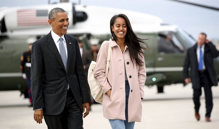 Malia Obama; Daughter of the former president Barack Obama Caught Kissing a Mystery Man