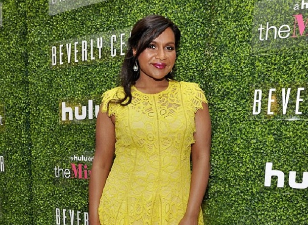 Mindy Kaling Shows off her Baby Bump at LA Nail Salon; Father of a Child yet to be Revealed!!!
