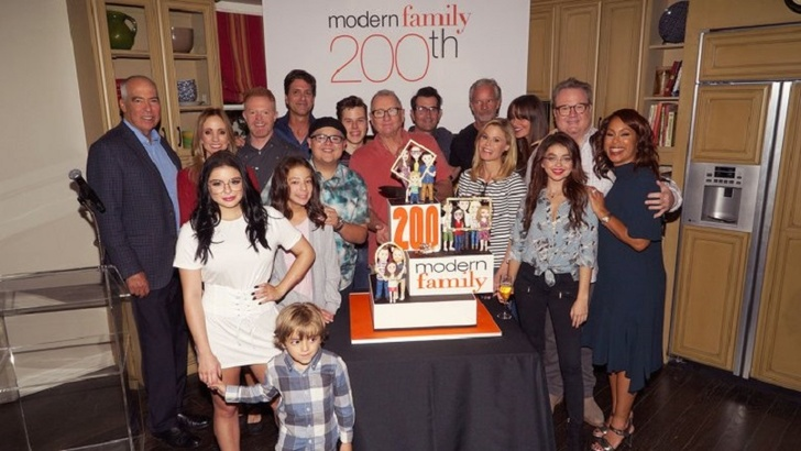 Modern Family Hits 200th Episode! All The Star Cast Celebrate The BIg Event!