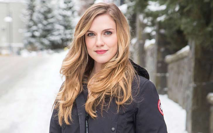 Sara Canning Married to her Husband? Or is her Marriage limited to On-Screen role?