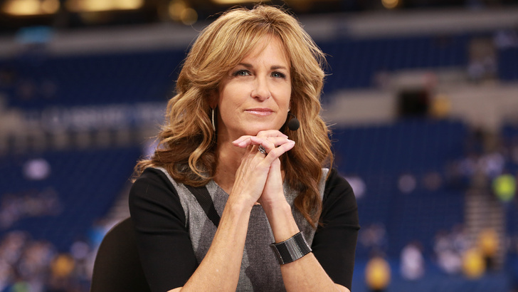 Suzy Kolber; American Football Sideline Reporter is Happily Married; Know about her Husband, Family, and Children