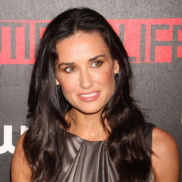 Demi Moore wiki, affair, married, Lesbian with age, height