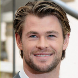 Chris Hemsworth wiki, affair, married, Gay with age ...