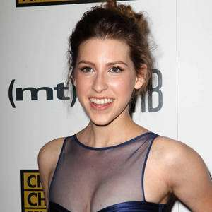 Eden Sher Wiki Affair Married With Age Height Bio Net Worth Facts