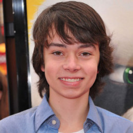 Noah Ringer wiki, affair, married, Gay with age, height