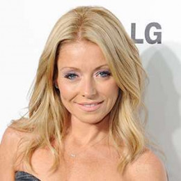 Kelly Ripa Wiki Affair Married Lesbian With Age Height