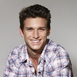Daren Kagasoff Biography Relationship Status And Net Worth Of Jacqueline Wood S Ex Boyfriend Watch this daren kagasoff video, daren kagasoff behind the scenes interview, on fanpop and browse other daren kagasoff videos. daren kagasoff biography relationship