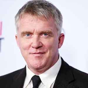 Anthony Michael Hall wiki, affair, married, age, height