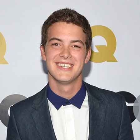Israel Broussard wiki, affair, married, age, height, flipped, tweets